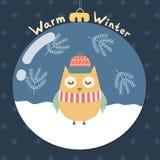 Warme Wintergrußkarte mit einer netten Eule Stockfotografie