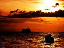 Warme zonsondergang royalty-vrije stock afbeelding
