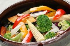 Warmer Gemüsesalat Stockfoto