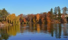 Warmer Herbsttag lizenzfreies stockfoto