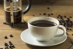 Warmer selbst gemachter französischer Presse-Kaffee stockfotografie