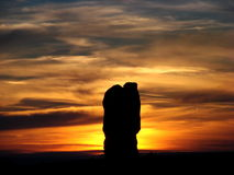 Warmer Sonnenuntergang nahe Bogen-Nationalpark stockfoto