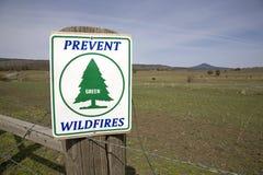 Warnzeichen über verheerende Feuer Stockfoto