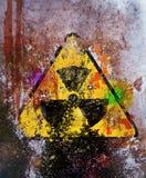 Warnzeichen der Grungy radioaktiven Strahlung Lizenzfreie Stockfotografie