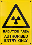 Warnzeichen der Kernstrahlung Stockbilder