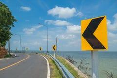 Warnzeichen der Straße Stockfotos