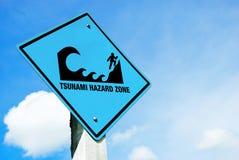 Warnzeichen der Tsunami Stockfotografie