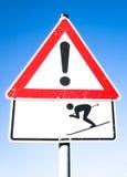 Warnzeichen des Skifahrers Stockbilder