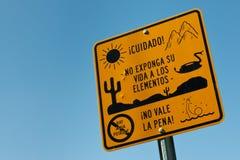 Warnzeichen für illegale Immigranten Lizenzfreies Stockbild