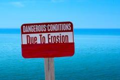 Warnzeichen am Strand stockfotos