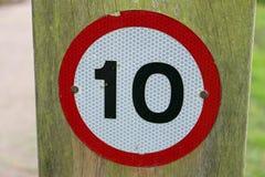 Warnzeichen von 10 MPH Lizenzfreie Stockbilder
