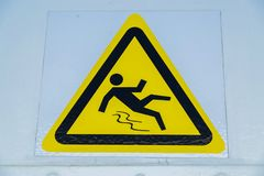 Warnzeichen, warnen nassen Boden Stockfotografie
