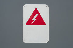 Warnzeichenenergievorsicht der elektrischen Spannung der Hochspannung Lizenzfreie Stockfotos