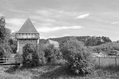 Warowny średniowieczny saxon kościół w wiosce Bradeni, Henndorf, Hegendorf, Transylvania, Rumunia Obraz Stock