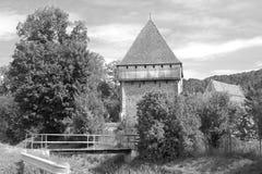 Warowny średniowieczny saxon kościół w wiosce Bradeni, Henndorf, Hegendorf, Transylvania, Rumunia Zdjęcie Royalty Free