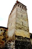 Warowny średniowieczny saxon kościelny Codlea wielki w Burzenland historycznym regionie, Transylvania, Rumunia obraz royalty free