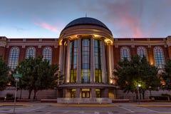 Warren County Justice Center en la puesta del sol Imágenes de archivo libres de regalías
