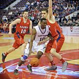 Men's CIS Basketball Finals. Warren Ward (centre) in action for the Ottawa Gee-Gees in their match against Acadia Axemen at Scotiabank Place, Ottawa on March 9 stock photo