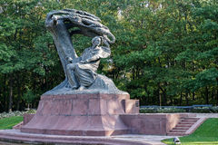 WARSAW, POLAND/EUROPE - SEPTEMBER 17 : Chopin Statue in Warsaw P royalty free stock photo