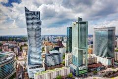 Warsaw Polen I stadens centrum affärsskyskrapor royaltyfri foto