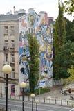 Warschau, Polen Graffiti auf einer Gesichtswand des Altbaus Stockfotografie