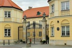 WARSCHAU, POLEN - 12. MAI 2012: Ansicht des leeren Palastes in Warschau stockbilder