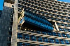 WARSCHAU, POLEN - NOVEMBER 2017 Ansicht mit goldenen Terrassen, Wolkenkratzer Zlota 44, Warschau ragt, Interkontinentalhotel, War Lizenzfreie Stockfotografie