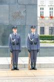 warschau Soldaten eines Schutzes der Ehre nahe dem Regierungs-Haus stockfoto