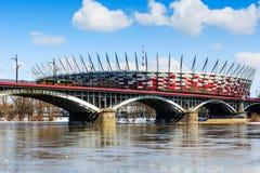 De Brug van Poniatowski en Nationaal Stadion Stock Foto