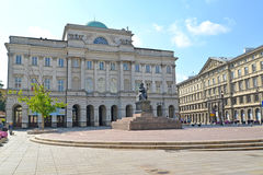 Warshau, Polen De bouw van de Poolse academie van Wetenschappen en monument aan Nicolaus Copernicus Stock Afbeeldingen