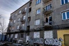Warshau, Polen, 9 Maart, 2019: De oude verlaten bouw in Warshau royalty-vrije stock foto's