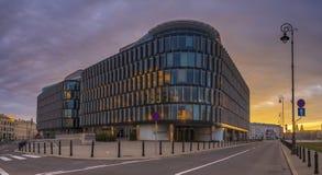 Warshau, Polen-November 2018: Moderne architectuur Modern bureau royalty-vrije stock afbeelding