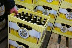 Warsteiner啤酒条板箱 免版税库存照片