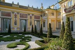 WARSZAWA POLAND/EUROPE - SEPTEMBER 17: Wilanow slott i Warszawa Royaltyfri Fotografi