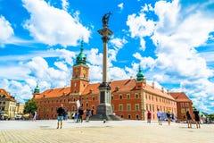 """Warszawa Polen †""""Juli 14, 2017: Plac Zamkowy - slottfyrkanten i Warszawa Royaltyfri Bild"""