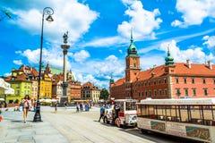 """Warszawa Polen †""""Juli 14, 2017: Plac Zamkowy - slottfyrkanten i Warszawa Royaltyfri Fotografi"""