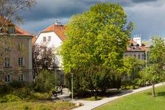 Warszawa Polen - April 23, 2017: Är den historiska gamla staden för Warszawa` s den enda återställda staden som inskrivas på UNES Fotografering för Bildbyråer
