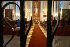 Warszawa Polen - April 14, 2016: Mass i Roman Catholic Parish av St Therese barnet Jesus Royaltyfri Foto