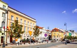 Warszawa Polen - Augusti 1: Gata för turister på fötter i Warszawa, P Arkivfoton