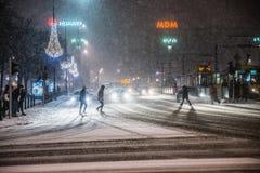 Warszawa Polen - Januari 19th 2018: En kraftig snöstorm en natt i Warszawa Fotografering för Bildbyråer