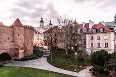 WARSZAWA POLEN - November, 2017: Är den historiska gamla staden för Warszawa` s den enda återställda staden som inskrivas på arve Arkivfoton