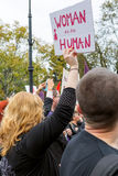 Warszawa Polen, 2016 10 01 - protestera mot anti--abort lag f Royaltyfri Foto