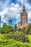 Warszawa Polen: slotten av kultur och vetenskap, polska Palac Kultury I Nauki fotografering för bildbyråer
