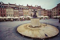 WARSZAWA POLSKA, LIPIEC, - 08, 2015: Statua Syrenka (syrenka W Fotografia Stock