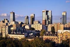 Warszawa, Polska 11 2016 Sierpień Widok nowożytni drapacze chmur w centrum miasta Warszawska linia horyzontu Fotografia Stock