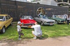 Warszawa Polska, Sierpień, - 07, 2016: Wystawa klasyk Mercedez w Warszawa i rocznik Zdjęcie Royalty Free