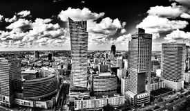 Warszawska architektura Artystyczny spojrzenie w czarny i biały Zdjęcie Stock