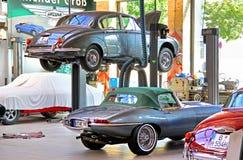 Warsztat muzeum roczników samochodów klasyk Remise obraz royalty free