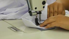 Warsztat w szwalnych koszula w tekstylnej fabryce zbiory