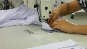 Warsztat w szwalnych koszula w tekstylnej fabryce zbiory wideo